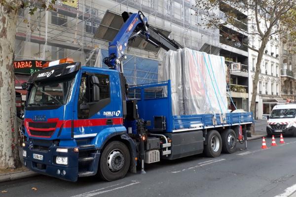 location de camion de chantier avec chauffeur